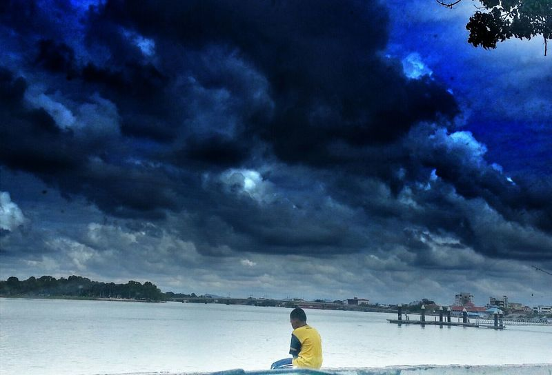 he lonely.. going to rain but still he stay there looking at the sea.. Hrd_collection