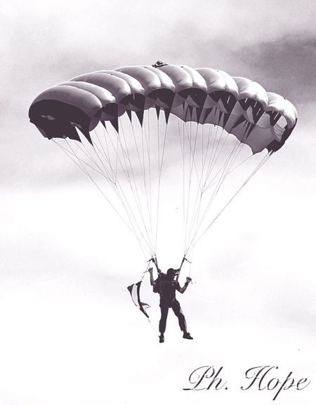 Ph. Hope Fly Volo Paracadutisti Paracadutismo Blackandwhite Blackandwhite Photography Photo 89'adunata Degli Alpini Asti