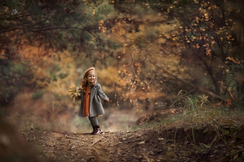 The autumn portrait gir