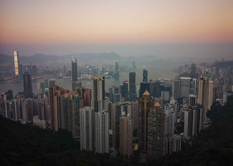 Victoria Peak Hong Kong Hong Kong Architecture Victoria Peak, Hongkong City Cityscape Urban Skyline Modern Skyscraper Sunset Downtown District Business Finance And Industry Business Dusk My Best Photo The Architect - 2019 EyeEm Awards The Mobile Photographer - 2019 EyeEm Awards
