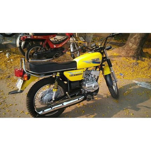 One of the coolest Yamaharx top speed 140kmph Save2stroke Classicarecool Loveforvintage Yamaha Rx135cc😍😍😍