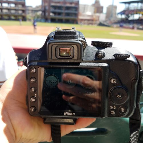 Holding Photographing Camera - Photographic Equipment Close-up Baseball Game Baseball ⚾ Outdoors Outdoor Photography