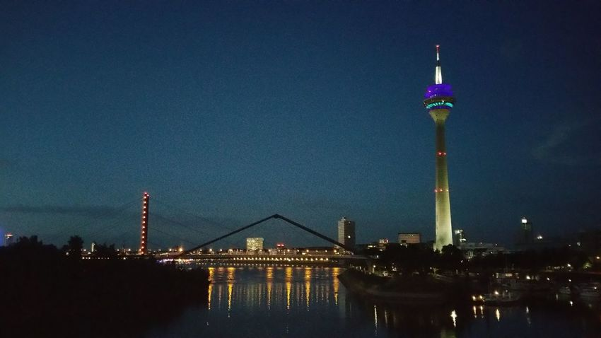 Düsseldorf at night Taking Photos Hello World Light In The Dark Lightening I Like It On My Way Outdoors Taking Photos My Point Of View Tonight❤ Tranquil Scene