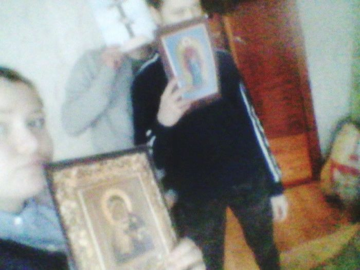 Церковка.бог.и три дибила