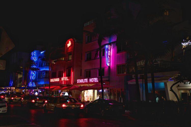 Miami Vibes #neon #lights #miami #miamibeach #night #city #nightlife #retro #florida #colors Tourism Neon Lights Miamibeach Miami Retro Night Photography No People Outdoors Architecture