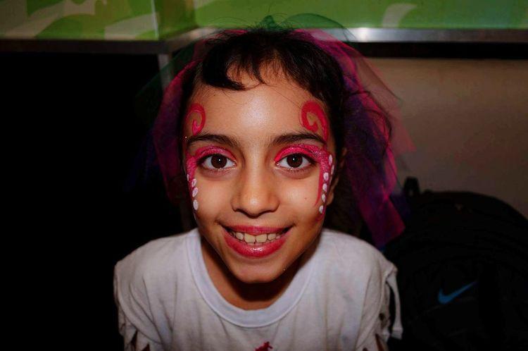 Amada baila ❤ Amada Miniña Rock Teamo Bailarina Beautiful Maquillage Hermosa Love EyeEm Selects Holi Young Women Portrait Child Happiness Looking At Camera Headshot Smiling Girls Face Paint