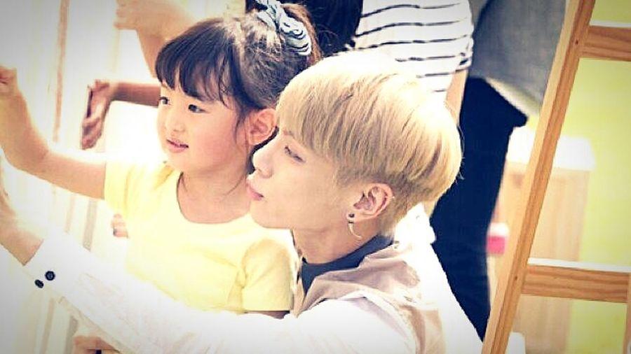 김종현 종현 너란 사람... 쫑멍뭉 멍뭉이 아이 를 참 좋아하는 우리 멍뭉이...😘😘 넘 귀여워 ♥♥♥ Jonghyun Kimjonghyun Shinee