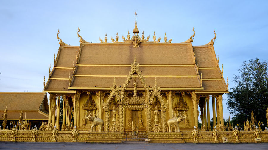 Thailand Watpaknamjolo Art And Craft Buddhism Buddhist Temple Building Exterior Built Structure Gold Colored History Outdoors Religion Sky Spirituality The Past Travel Travel Destinations