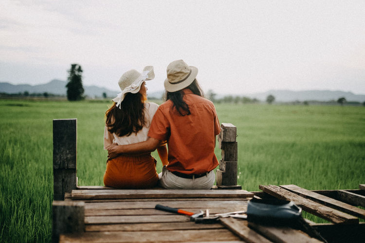 Friendship Togetherness Women Rural Scene Young Women Agriculture Happiness Mid Adult Sky Grass