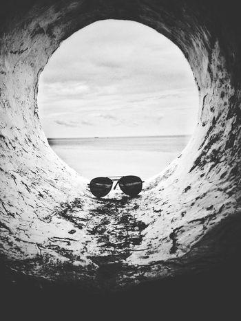 Lihat! Begitu besarnya dunia Horizon Over Water Nature Best EyeEm Shot EyeEm Best Shots - Black + White EyeEmIndonesiaCommunity EyeEm Nature Lover Sea Water Day Beach Sky Outdoors Adult People One Person