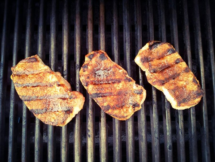 Grilled pork chops Grilledpork Grilled Pork Pork Chop Pork Chops Porkchop Grilled Meat BBQ Porkchops Grilled Pork Lines Cooking From Above  Three BBQ Time Barbecue Close-up Food Photography Foodphotography Grilling Dinner Grill Meat! Meat! Meat! Barbeque Food