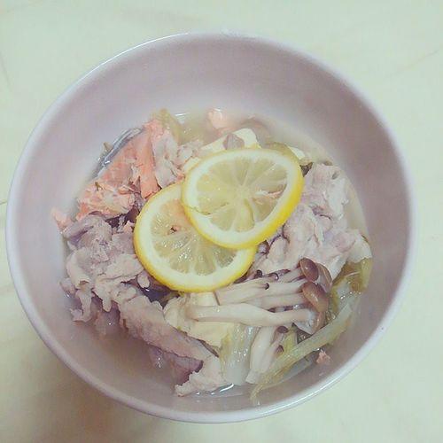 今日の夕食、レモン鍋~✨ 夕食 うちご飯 自炊 レモン鍋