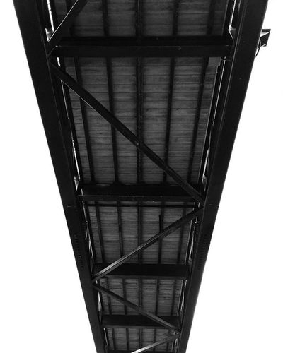 L o o k i n g Up . . . . . Lookingup Streetphotography Bnw Blackandwhite Texture Shapes Patterns Bridge Contrast Bnw_life Mondayfunday Exploringtheglobe Pennsylvania Newhampshire Newengland Timeless Blackandwhitephotography Pointofview Adventurous Structure Monochrome Monoart Classic Contrastphotography vintagestyle composition