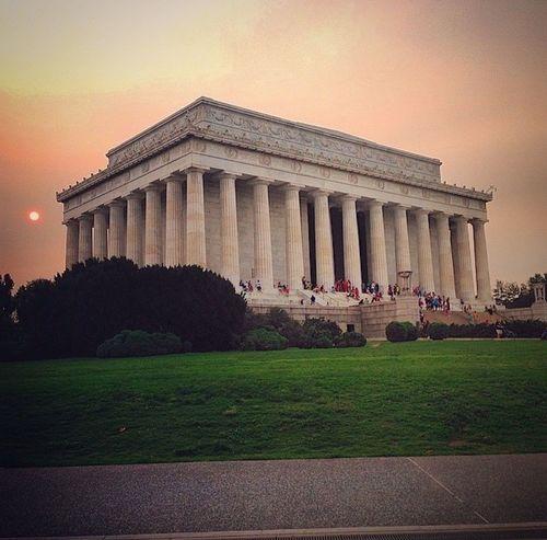 Architecture Travel Travel Destinations Built Structure Tourism Architectural Column Sunset Sky History Outdoors Statue Abraham Lincoln Statue