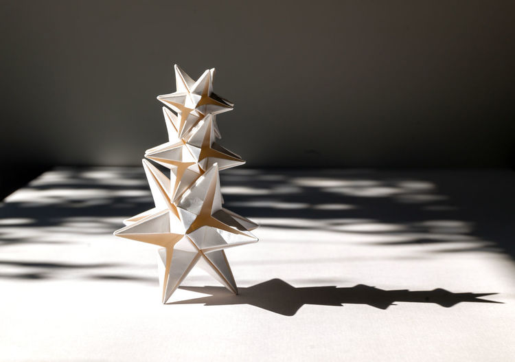 White origami star detalle made by hand.