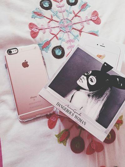 Close-up Day Passport Music Ariana Grande Dangerous Woman IPhone