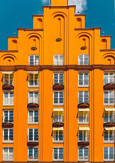 🇸🇪 Symmetry EyeEm Best Edits Building Architectural Detail EyeEmBestPics Windows Window Architecture Wall The Week on EyeEm Editor's Picks The Week on EyeEm IPhoneography Arch WeekOnEyeEm Architecturelovers Architectureporn Architecturephotography Architecture_collection Architecture Building Building Exterior Built Structure City Yellow Travel Orange Color Sunlight Tourism Apartment City Life