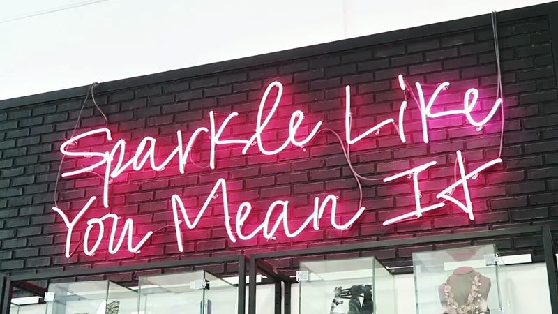 Life won't sparkle unless you do! Red City Outdoors Day No People Neon Neon Lights Neon Sign Neon Light Neonlights Neon Color Neon Pink Neonsigns Neonpink Neonporn Neonsign Inspirational Sparkle Spark Pink Quote
