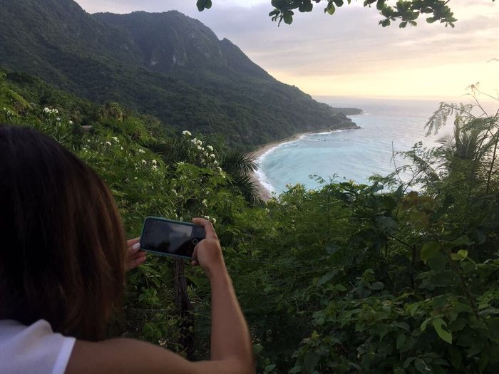 Let's capture moments📸 Photographing Photography Themes One Person Real People Rear View Sea Smart Phone Leisure Activity Nature Holding Technology Camera - Photographic Equipment Wireless Technology Women Lifestyles Beauty In Nature Day Outdoors Mountain Headshot Dominican Republic Sunrise_Collection Barahona Live For The Story The Great Outdoors - 2017 EyeEm Awards