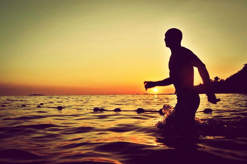 Summer soul Real People Sea Silhouette Sunlight Sunset Silhouettes First Eyeem Photo