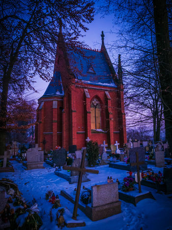 Architecture Tree Religion Outdoors Church Cementery Snow Huawei Zima Cold Temperature Winter HuaweiP9 Red Www.tomaszkucharski.com.pl No People Old Buildings Cros Grave Poland Wysokikosciol Bricks