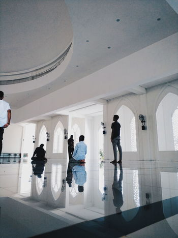 prayer time Photo Photooftheday Photography Good INDONESIA Interior Design Interior Indoors  Day Prayer Mosque Architecture Group Of People Silhouette Architecture Built Structure