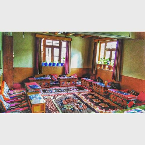 Dining Room Vscocam Lehdiaries Lehdiaries❤️ Ladakh Ladakhdiaries Instagood Peaceful Madeforsquare Lovely Instapicoftheday Latergram Beautiful Traditional Food Carpet Vintagestyle