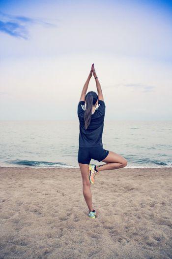 Yoga Pose Yoga Yogagirl Copy Space Beach Beachphotography Girl Beauty In Nature Relaxing Enjoying Life Hanging Out Relaxing