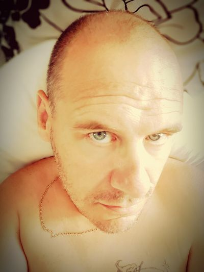 Time for a midday power nap. Had a bad night sleep last night so I'm struggling with tiredness today Tiredness Tired Me Portrait Human Eye Human Face Headshot Looking At Camera Shirtless Mid Adult Front View Close-up Eyeball Eyebrow