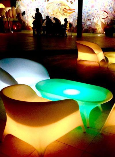 Couleurs Colors Light Night Nuit Lumières Design Sièges Haiti Club Discotheque Groupe 1er Plan Loisir Dance Musique Musiciens