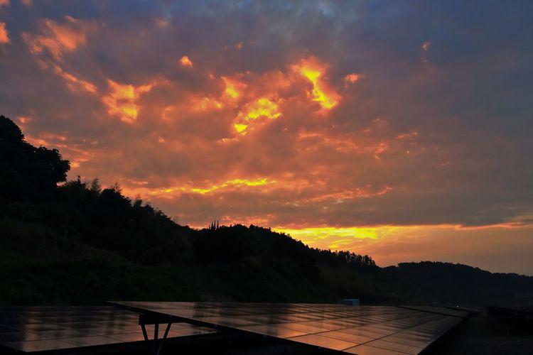 イマソラ EyeEm Nature Lover Sunrise Sunrise_sunsets_aroundworld EyeEm Best Shots - Sunsets + Sunrise Sunrise And Clouds Spring Landscape EyeEm Gallery The Purist (no Edit, No Filter) Pure And Untouched (raw Image) IPhoneography