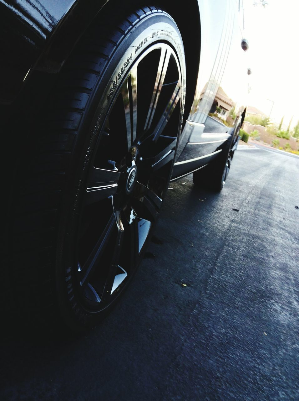 transportation, wheel, mode of transport, tire, land vehicle, car, no people, vehicle part, outdoors, day, stationary, close-up