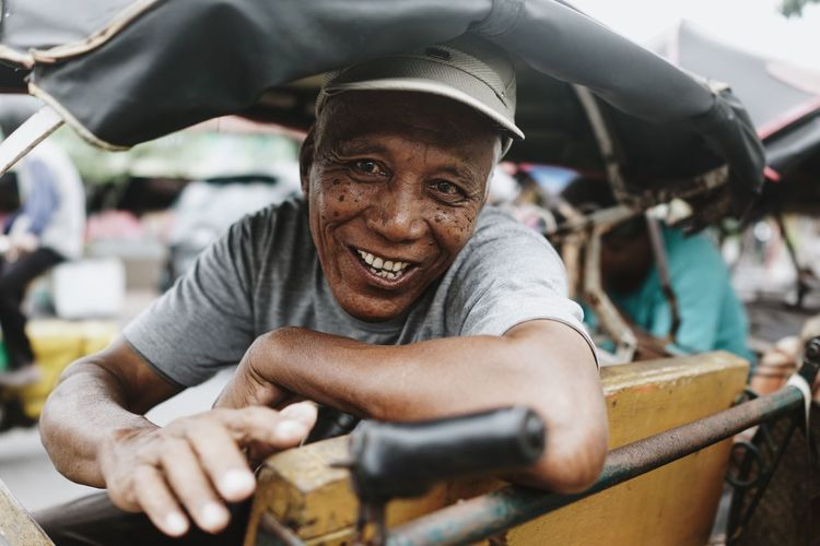 Portrait Man INDONESIA Traveling Travel Travel Photography People Happy Smile Rickshaw Yogyakarta Friendly Up Close Street Photography The Portraitist - 2016 EyeEm Awards The Street Photographer - 2016 EyeEm Awards The Portraitist - 2017 EyeEm Awards Let's Go. Together. Connected By Travel An Eye For Travel Adventures In The City The Portraitist - 2018 EyeEm Awards