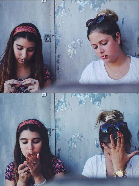 Eyeemphoto Friendship Girlz Smoking Chilling