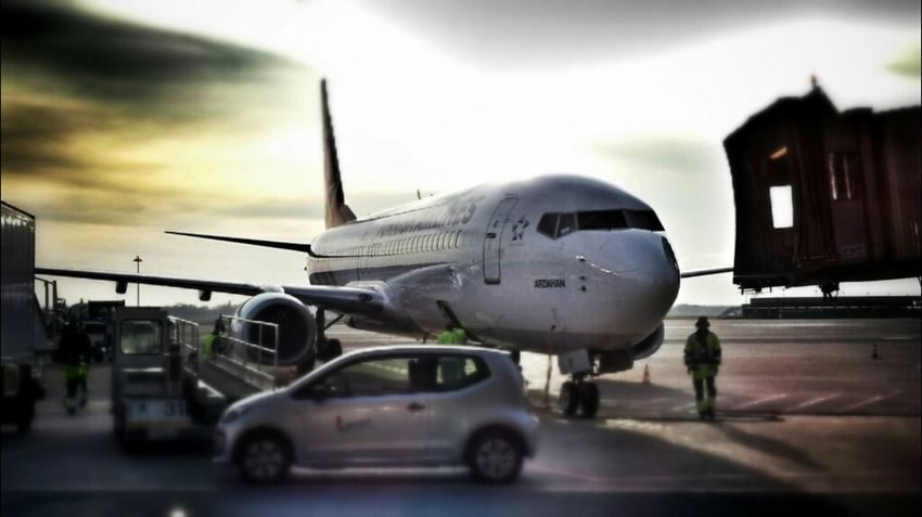 Airport Aircraft Get Lost Thy Flughafen Flugzeuge Flugzeug Hannover Turkishairlines Aircrafts Uçaklar Android Photography At The Airport Turkishairline