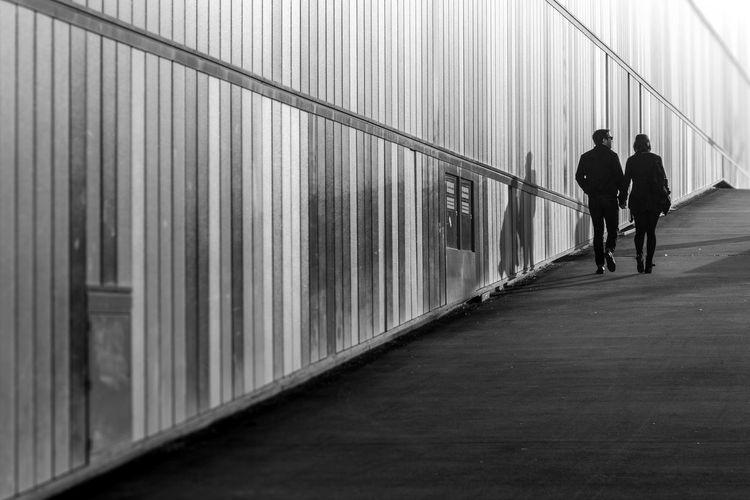 Bilker Arkaden, Duesseldorf, Germany Black & White Black And White Blackandwhite Couple Deutschland Duesseldorf Düsseldorf Germany NRW Paar Pattern Pattern Pieces Spaziergang Walk Wall