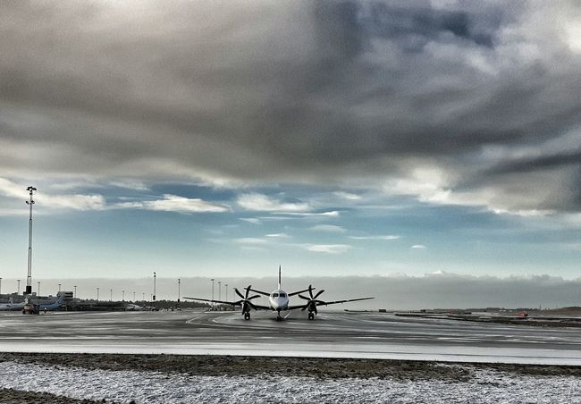 Airport Aircraft Showcase: February Snapseed Airportphotography Taking Photos Wintertime Propeller Samsungphotography Comercial Airline