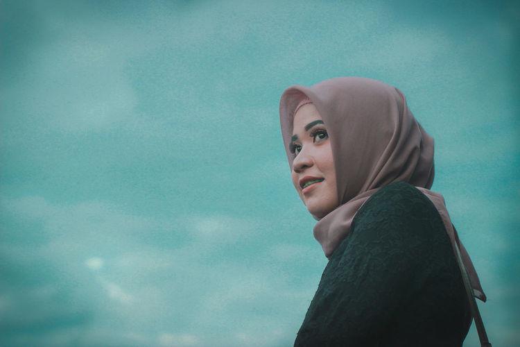 Future Hijabstyle  Hijab Sea Water Beach Ocean Bridge Portrait Pixelated Headshot City Cyberspace Beautiful Woman Data Close-up