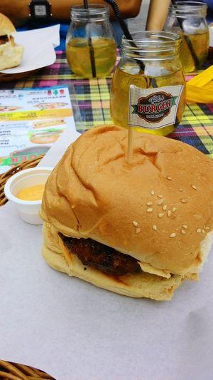 Kanto Food A La Manila Food Burger Quarterpounderwithcheese