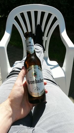 Chilling Chilling In The Sun Outside Garden Outside Photography Outdoor Outdoor Photography Outdoors Drinking Drinking Beer Krombacher Eine Perle Der Natur Summerday Enjoy The New Normal Garden Photography My Year My View Lieblingsteil The Secret Spaces EyeEm Diversity Resist