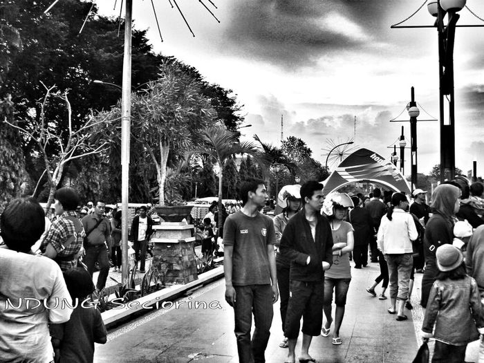 Streetphotography Black And White Rush Hour Hdr Collections