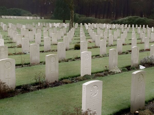 Canadian Cemetery in Holten / the Netherlands. Geocaching .