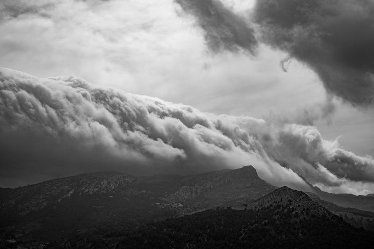 pierie.de Clouds Storm Thunderstorm Dark Landscape Mountain Weather Sky Fear Blackandwhite Bw Nature Outdoors Mountain Peak Mountain Range Before The Storm Before The Rain Pierie Rain Cloud - Sky Scenics - Nature Beauty In Nature Tranquil Scene Tranquility No People Environment Non-urban Scene Day Land Physical Geography Idyllic Ominous Dark Clouds Depression Depression - Sadness Future Earth Climate Change Climate EyeEm Best Shots EyeEm Nature Lover EyeEm Selects EyeEm Gallery Stay Out