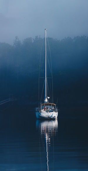 Gentle Tranquility Calm Water Calm Boat Maine Sailboat Contrast And Lights Contrast Of Shadows Misty Reflection Sailing Ship Simple Moment Blue Clean Background Contrast Contrasting Colors Misty Morning Reflections In The Water Sailboat Sailing Boat Simple Simple Beauty Simplicity