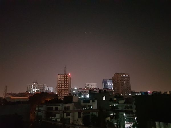 Night view of South Delhi. Samsunggalaxynote8 Nofilter NoEdits  Newdelhi India Promode Skyscraper Nehruplace Southdelhi Promode Note8photography Roof Night Lights Citylights