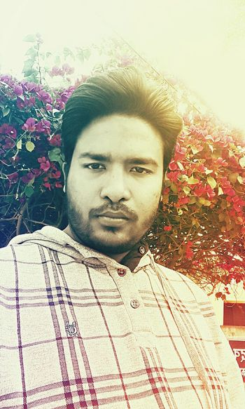 SRRAZA Portrait Looking At Camera Front View Young Adult Close-up One Person Only Men With Flowers Inlovewithlife