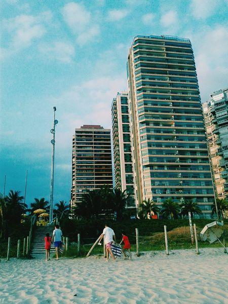 Relaxing Rio De Janeiro Photograph Rio De Janeiro Eyeem Fotos Collection⛵ Amateurphotographer  Enjoying Life Barradatijuca  Liasaarfe Geometric Architecture Singular Beachphotography People Liasaarfe