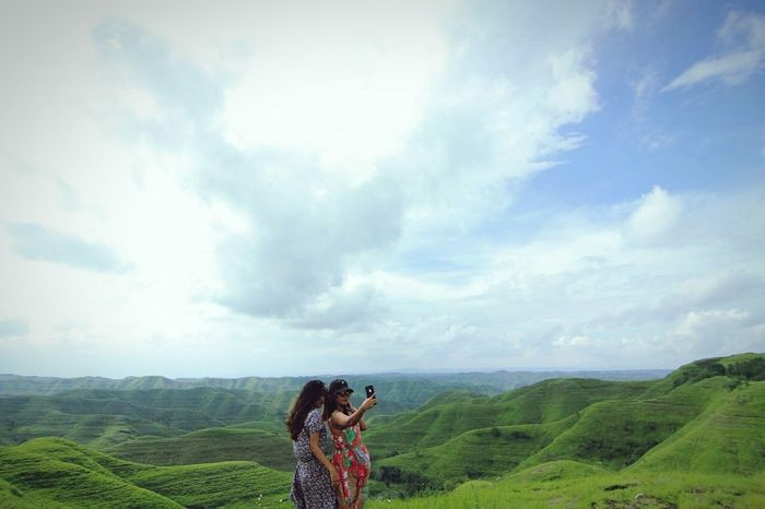 ❤❤❤ Sumba Timur Friendship Photography Themes Photographing Camera - Photographic Equipment Two People Cloud - Sky Photographer Landscape Beauty In Nature Women Togetherness Outdoors Sky Nature