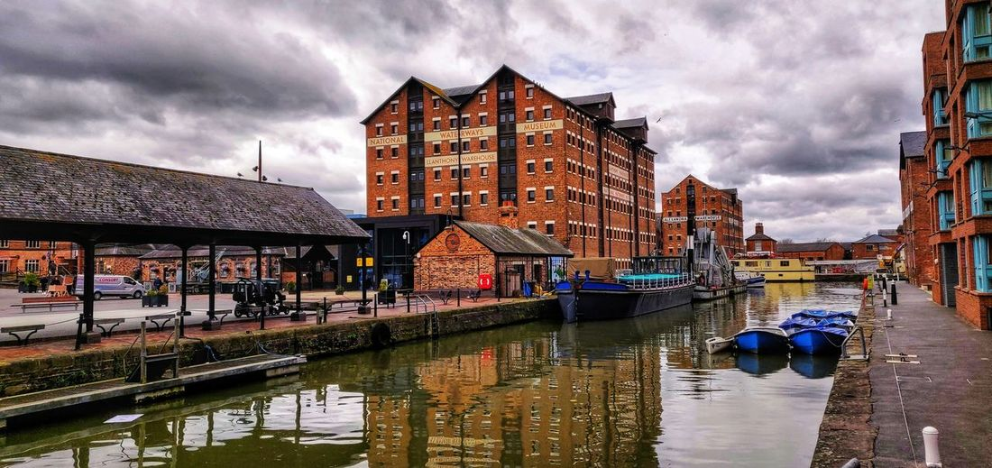 docks Quay Quayside Docks Photowalktheworld Oneplus6 Cotswolds Gloucester Docks City Reflection Water Sky Architecture Building Exterior Built Structure Cloud - Sky Cityscape Urban Scene Urban Skyline