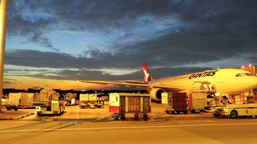 A day at work. Transportation Sky Cloud - Sky Outdoors Airplane Sunset LGV10 Lgv10photography Clouds And Sky